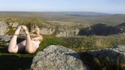 Barefoot sub hogtied on Swell tor quarry